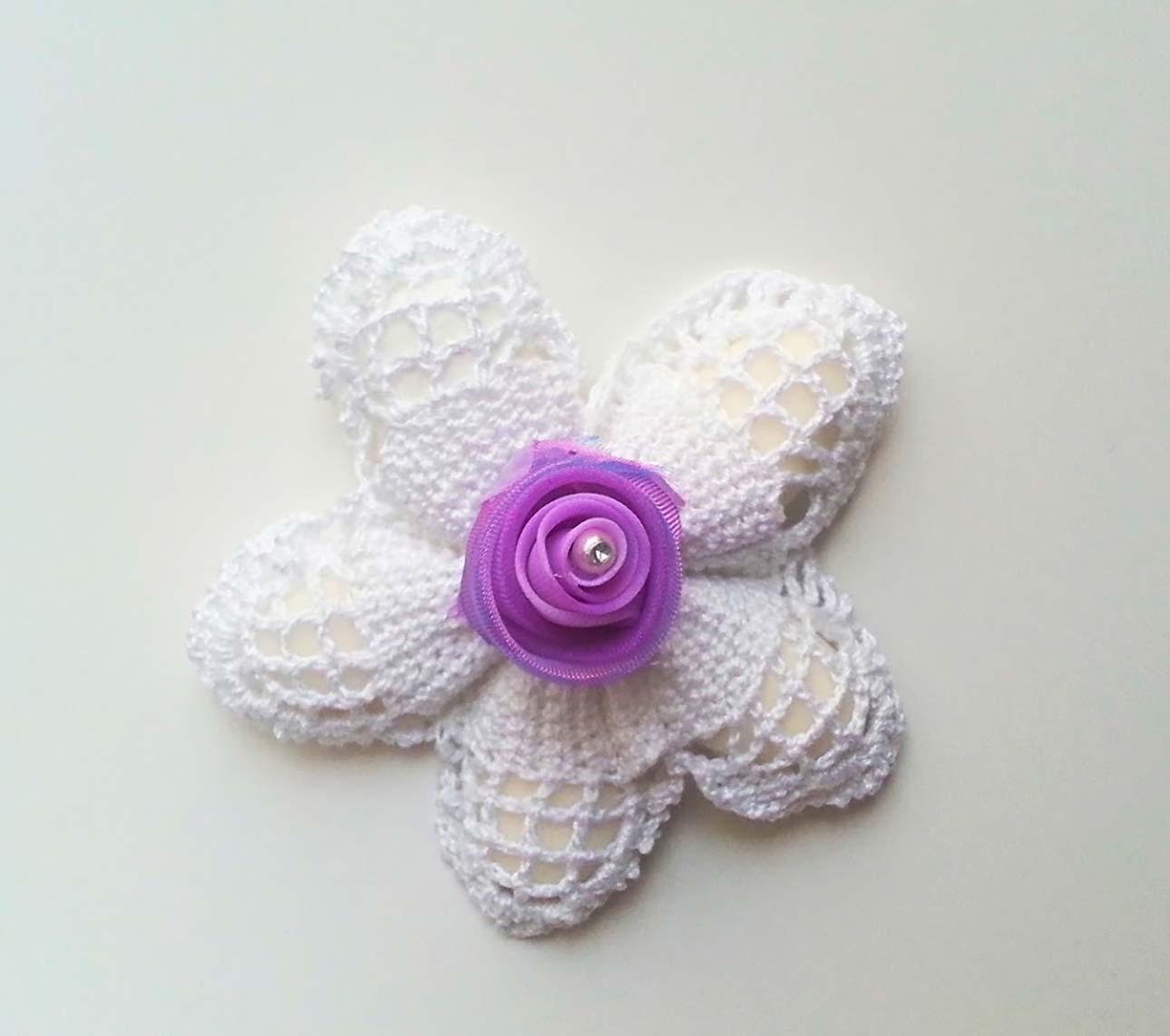 sacchetti uncinetto per bomboniere fiore