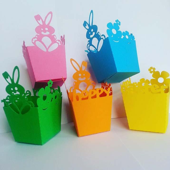 cestini di pasqua con coniglietti colorati
