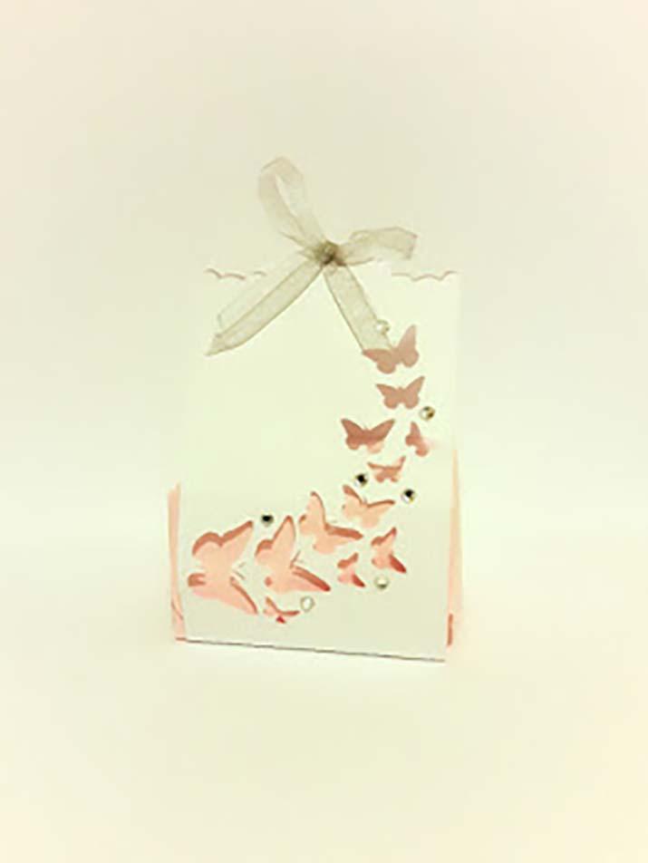 bomboniere comunione fatte a mano scatolina con farfalle