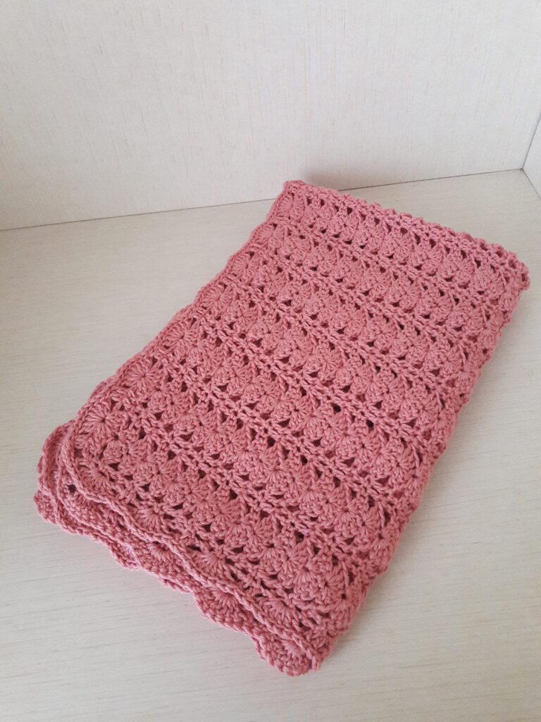 Copertina per culla rosa per neonata
